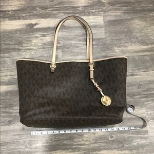 Michael Kors Tote Style Purse (brown)